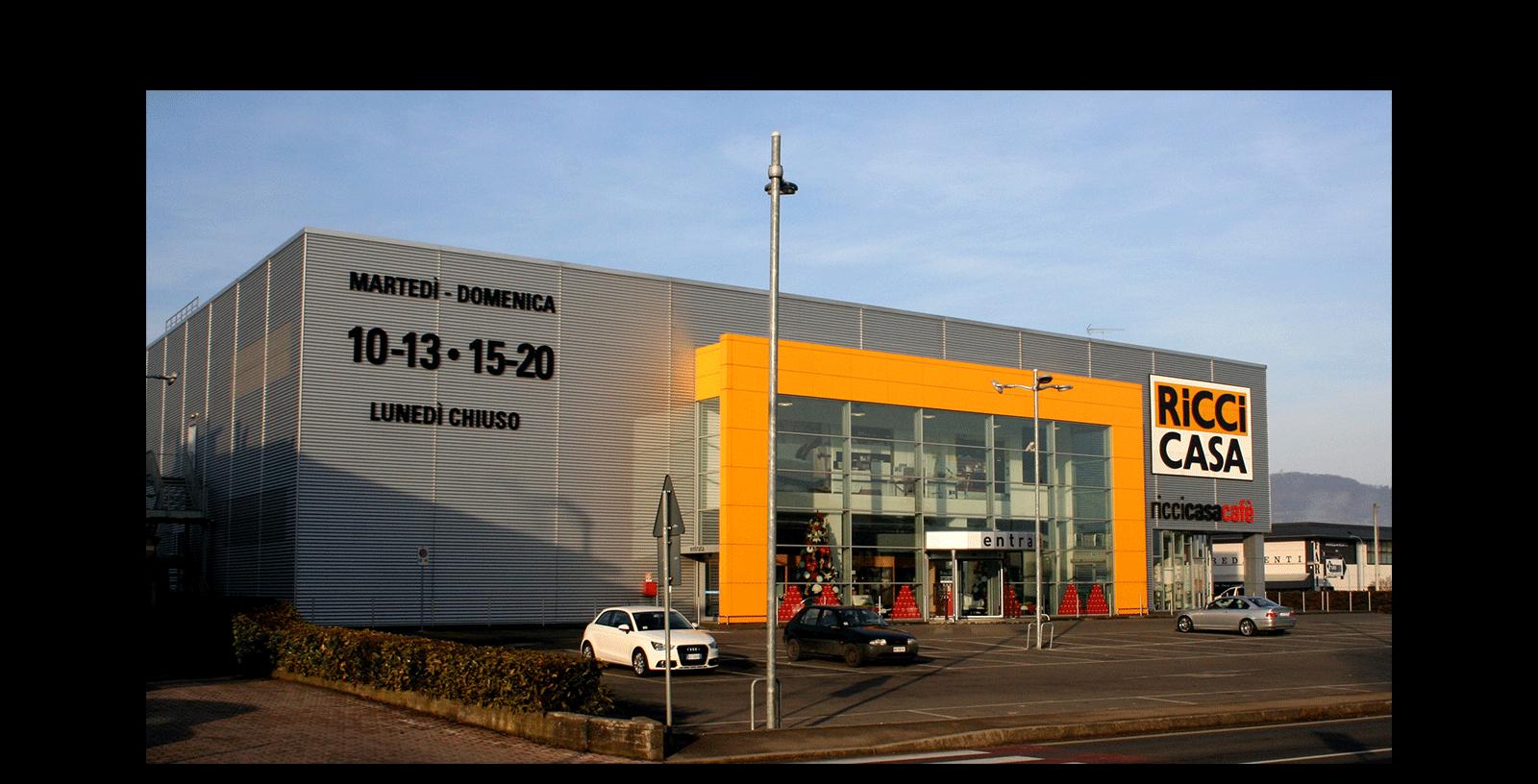 Una nuova costruzione commerciale e negozio new commercial building and store 2006 - Ricci casa ciano d enza ...